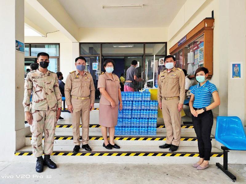 กปภ.สาขาอุบลราชธานี มอบน้ำดื่มให้กับที่ว่าการอำเภอเมืองอุบลราชธานีประจำจุดตรวจคัดกรองหาผู้สัมผัสเชื้อไวรัสโคโรน่า 2019