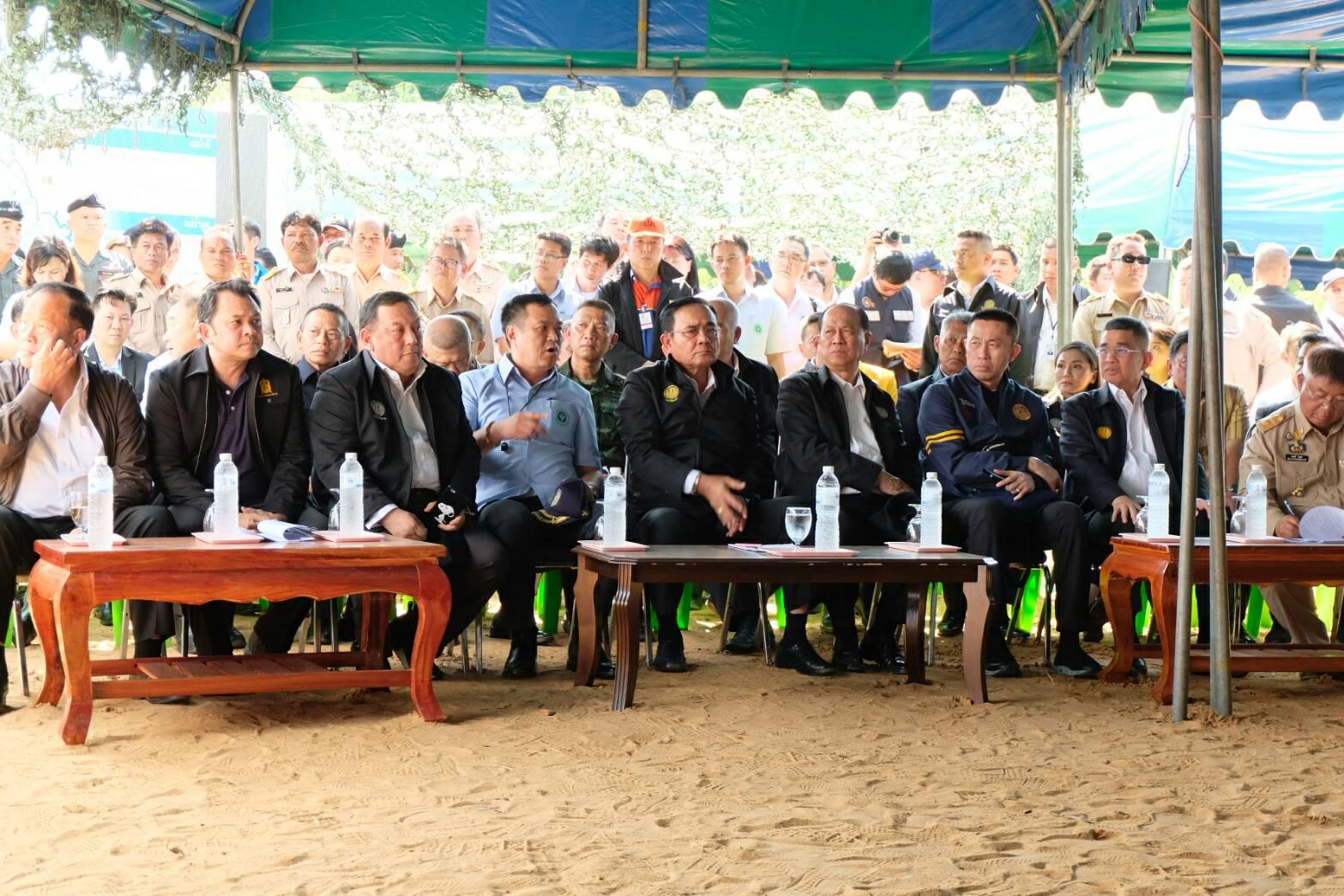 ไฟล์แนบ กปภ.ข.๘ ร่วมกับ กปภ.สาขาอุบลราชธานี ลงพื้นที่ ให้บริการน้ำดื่มประชาชนในโอกาสนายกรัฐมนตรีเยี่ยมประชาชนประสบภัยน้ำท่วมชุมชนหนองกินเพล
