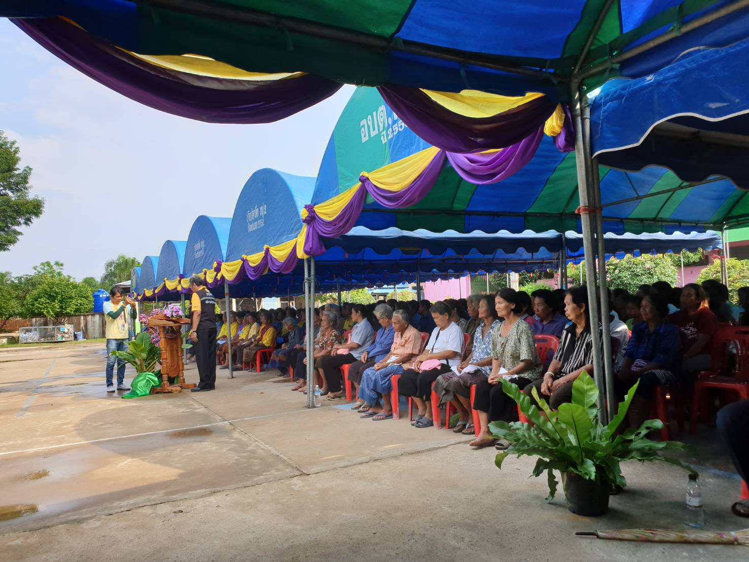 ไฟล์แนบ กปภ.ข.8 และ กปภ.สาขา พื้นที่จังหวัดยโสธร ร่วมให้การต้อนรับ นายทรงศักดิ์ ทองศรี รัฐมนตรีช่วยว่าการกระทรวงมหาดไทย ลงพื้นที่ตรวจเยี่ยมสถานการณ์อุทกภัย